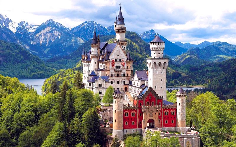 ปราสาทนอยชวานชไตน์ (Neuschwanstein Castle) | HappyLongWay